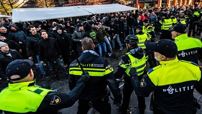 De demonstraties liepen totaal uit de hand. (Foto: ANP)