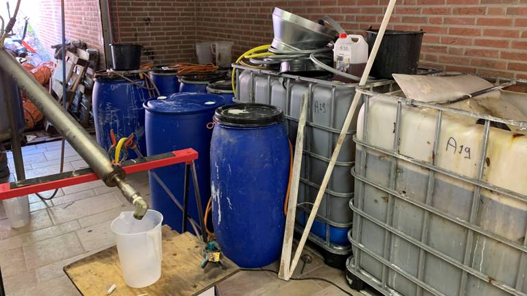 Zo zag het drugslab in Esch eruit. (Foto: Bart Meesters / Meester Multi Media)