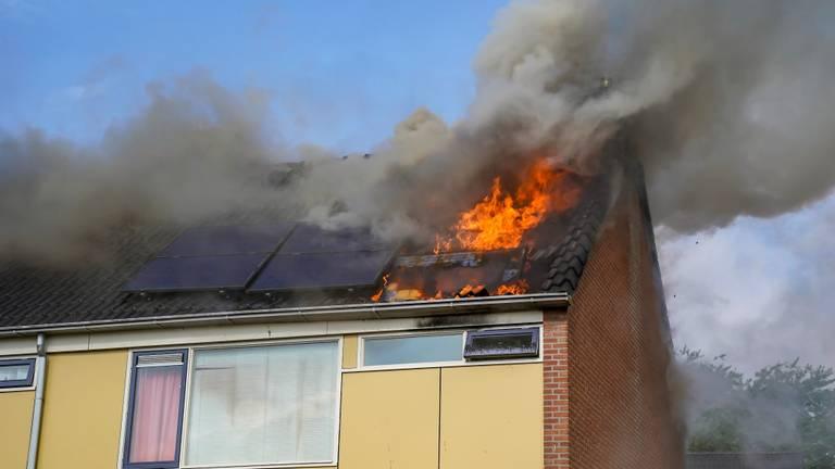 De brand van donderdagmorgen. (Foto: Marcel van Dorst / SQ Vision)