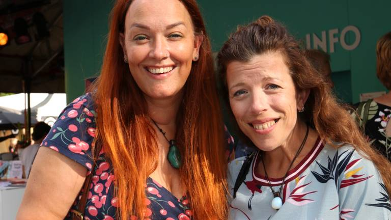 Suzanne en Lisette uit Schijndel gingen dinsdag mee naar 'Ghost Writer' op Festival Boulevard.