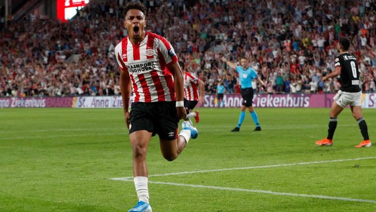 Donyell Malen tijdens een van zijn eerdere wedstrijden voor PSV (Foto: VI Images).