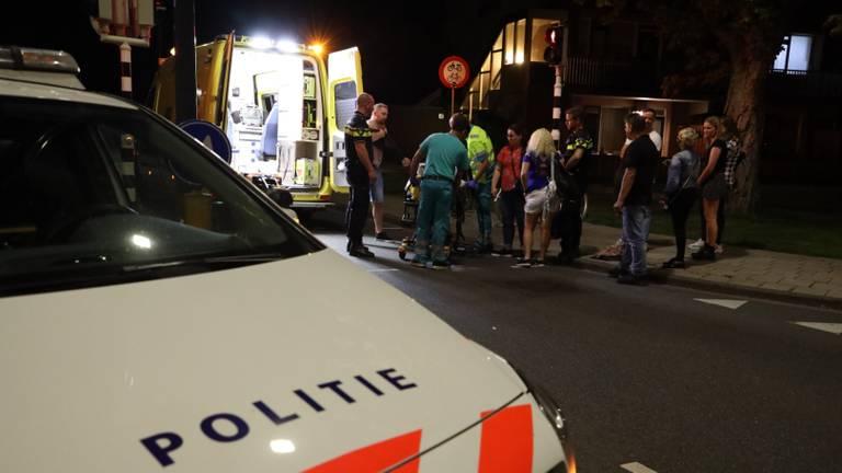 Het slachtoffer is na de aanrijding naar een ziekenhuis gebracht. (Foto: FPMB/Erik Haverhals)