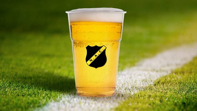 Een biertje gaat in het NAC-stadion 20 cent meer kosten.