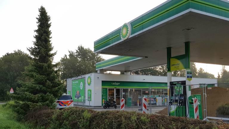 Het tankstation, dat overvallen is (foto: AS Media).