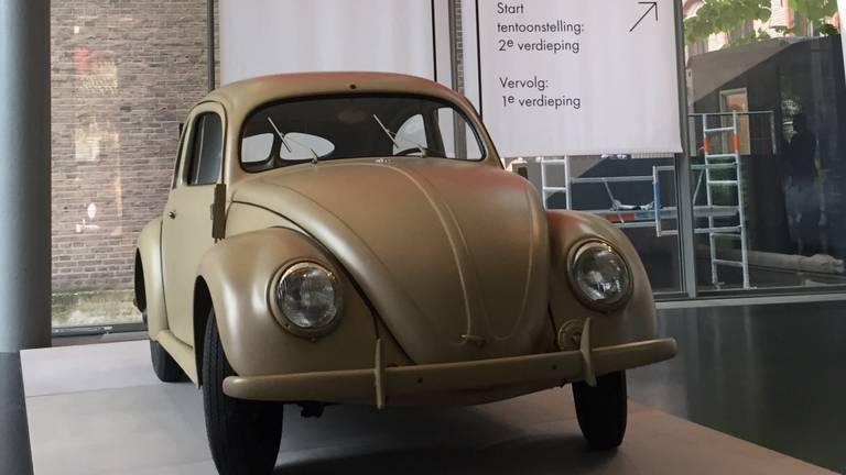 De Volkswagen Kever, deel van de expositie.