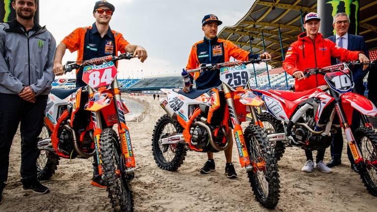 Jeffrey Herlings, Glenn Coldenhoff en Calvin Vlaanderen bij de teampresentatie in 2018 (foto: ANP)