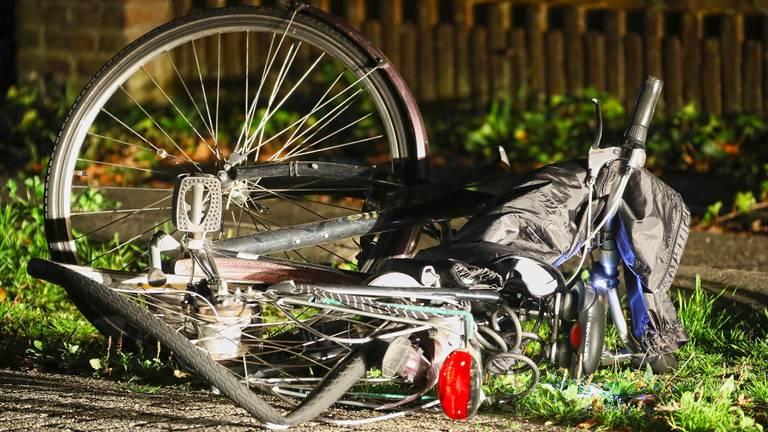 De fietser werd geraakt door een automobilist. (Foto: Gabor Heeres/SQ Vision)