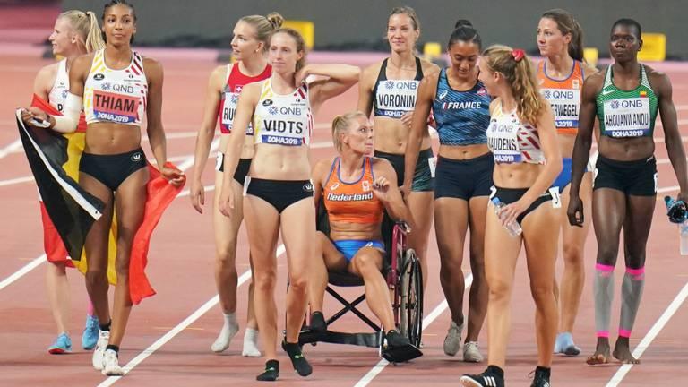 Nadine Broersen in rolstoel op WK