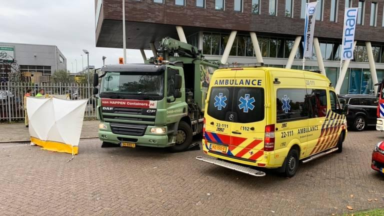 Het ongeluk gebeurde in de Limburglaan in Eindhoven. (Foto: Dave Hendriks/SQ Vision)