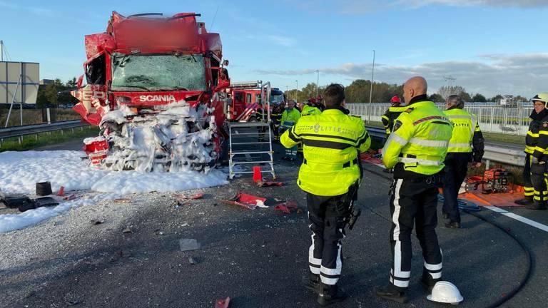 Het ongeluk gebeurde op de A59. (Foto: Marcel van Dorst)