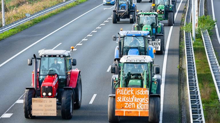 Boeren op de snelweg op weg naar het protest eind oktober (foto: Jack Brekelmans).