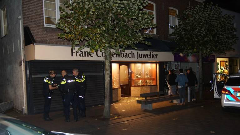 De juwelier werd in november beroofd (foto: Persbureau Midden Brabant/Erik Haverhals).