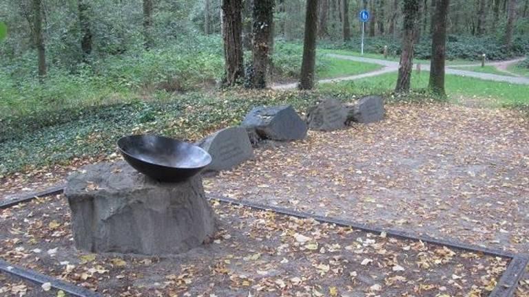 In het Nationaal Park staat een herdenkingsmonument voor de omgekomen verzetsstrijders.