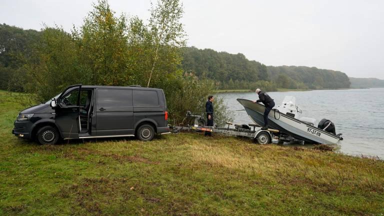 De zoektocht leverde niets op. (Foto: Marcel van Dorst/SQ Vision Mediaprodukties)