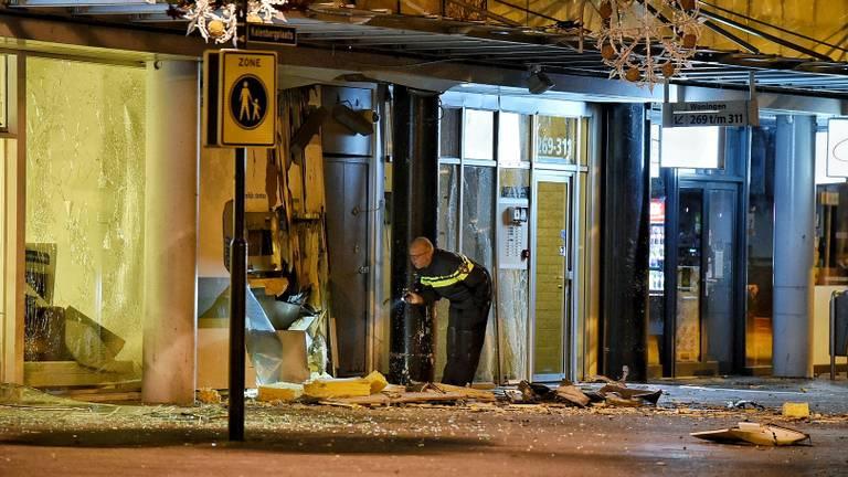 Een ravage na de plofkraak op 22 november in Tilburg. (Foto: Toby de Kort)