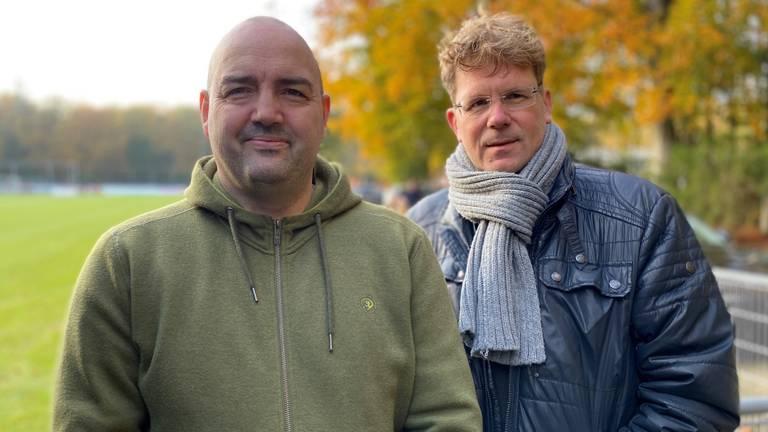 De PSV-supporters Rob Funke (links) en Harrie Timmermans. (Foto: Omroep Brabant).