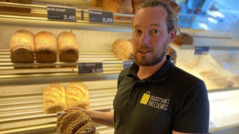 Frank Gram werkbegeleider in Buurtmarkt Beers (foto: Jan  Peels)