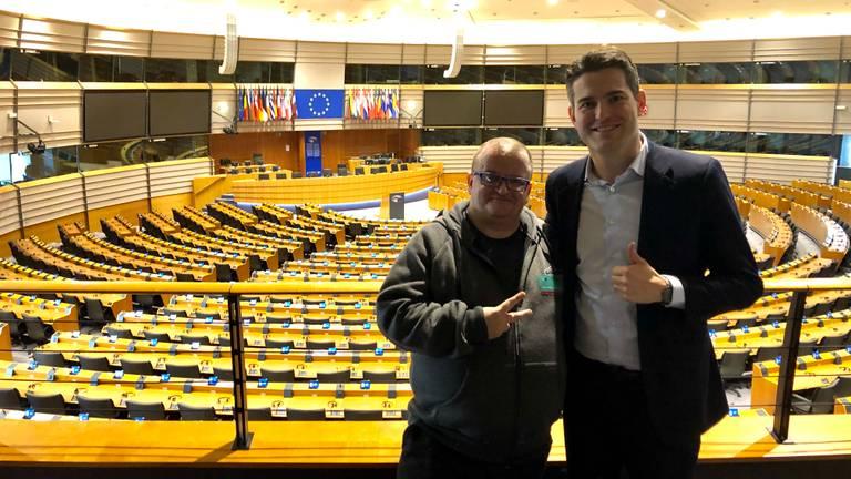 Bredanaars dj Janoesj en Tom Berendsen in het Europees Parlement. (Foto: Raoul Cartens)