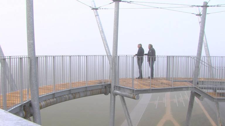 Torenbouwers Willem Reijrink en Jos van Bussel: makers van de Kempentoren. (foto: Tijmen Moelker)