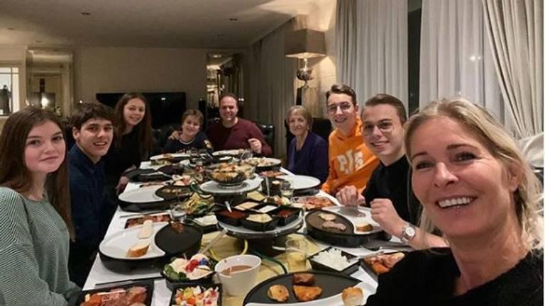Frans gourmet met zijn Maris, dus het heerlijk avondje is niet mis! (foto: Frans Bauer)