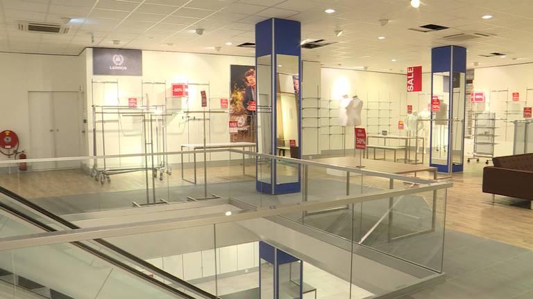 De winkel van Miller en Monroe staat leeg na het faillissement.
