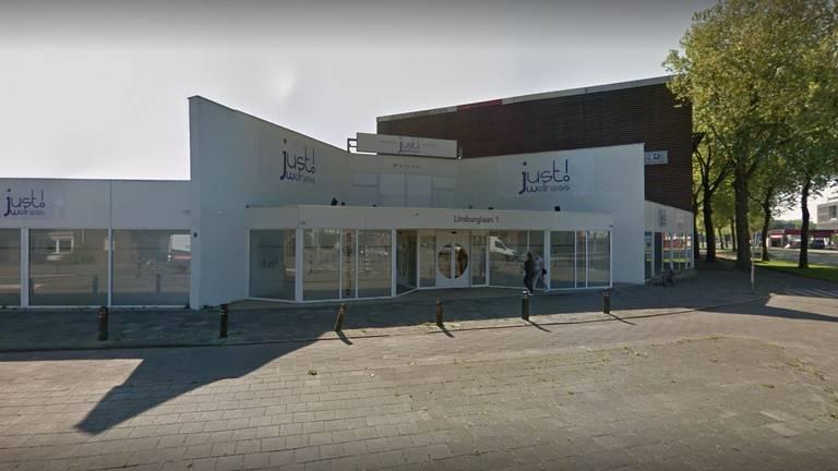 Het pand van Just Wellness aan de Limburglaan in Eindhoven. (Foto: Google Streetview)