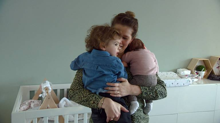 Mayella beviel uiteindelijk van twee kerngezonde kinderen