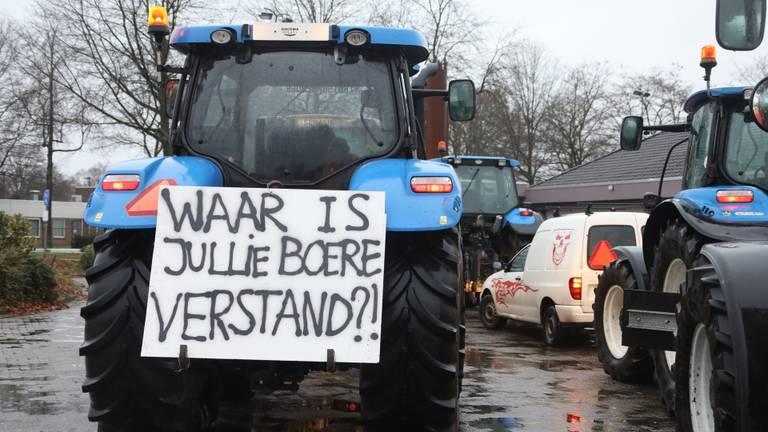 Boeren verzamelen ook in Schaijk. (Foto: Gabor Heeres / SQ Vision)