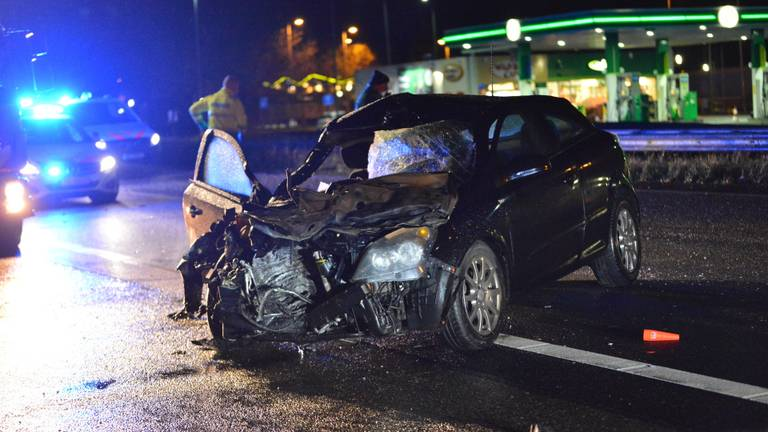 Het ongeluk bij Zegge gebeurde rond vijf uur vrijdagnacht. (Foto: Perry Roovers)