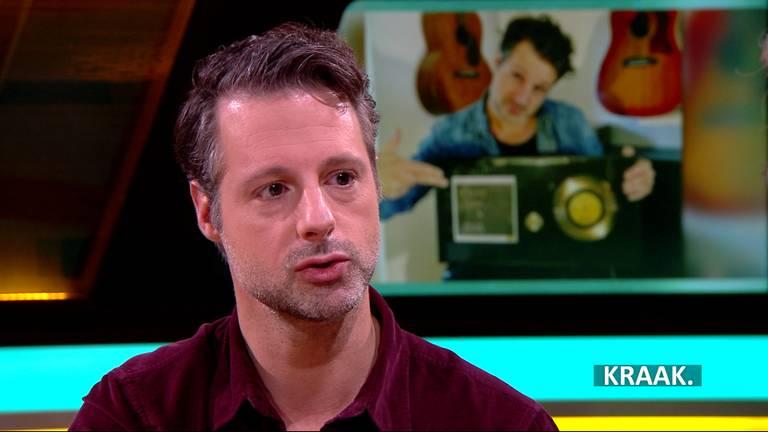 John Verhoeven schreef samen met Danny Vera de megahit Rollercoaster