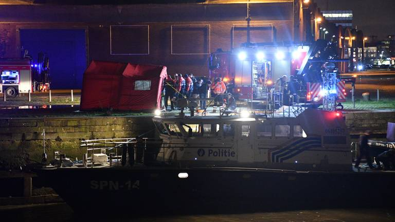 De politie heeft het lichaam van de vermiste Max Meijer uit het water gehaald. (Foto: ID/photo agency)