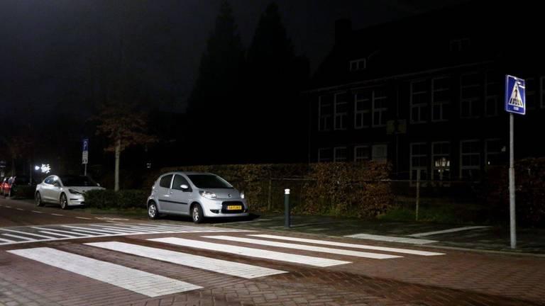 Het zebrapad waar de vrouw werd aangereden (foto: Bart Meesters / Meesters Multi Media).