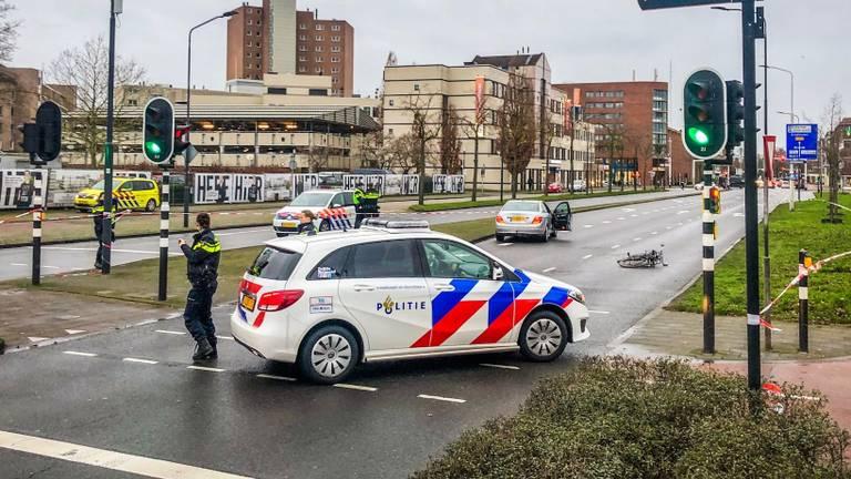 Het meisje werd aangereden door een grijze Mercedes. (Foto: Sem van Rijssel / SQ Vision)