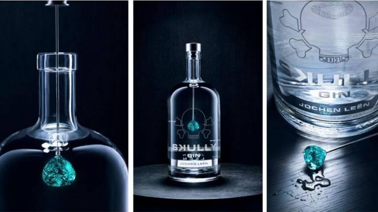 Een fles gin uit Goirle is de duurste ter wereld en kost 4,7 miljoen euro. (Foto: Skully Gin)