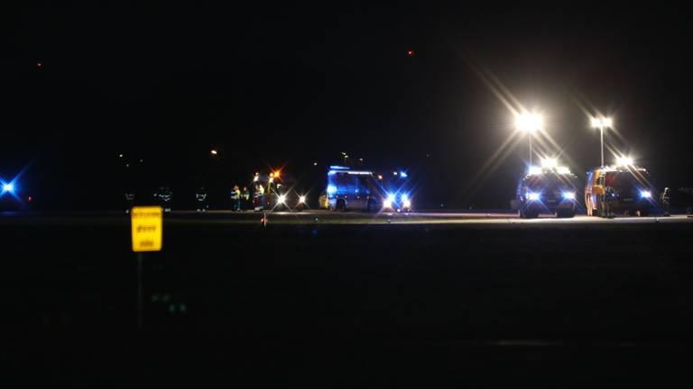 Hulpdiensten zijn massaal ter plekke op vliegbasis Volkel (foto: Marco van den Broek / SQ Vision Mediaprodukties).