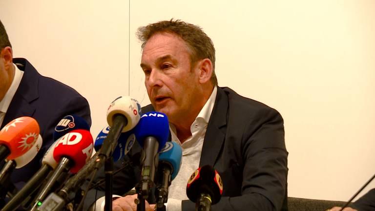 Frans van Laarhoven tijdens de persconferentie.