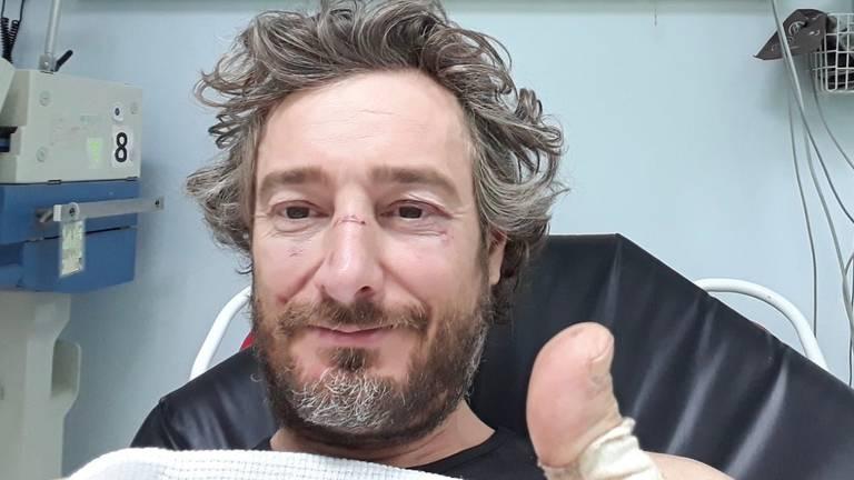 Dakar-deelnemer Olaf Harmsen in het ziekenhuis in Saoedi-Arabië.
