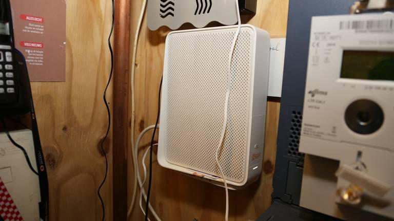 Een router van vodafone Ziggo die internet in huis brengt (archieffoto: Karin Kamp).