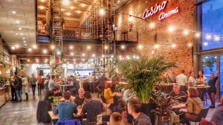 Er wordt de komende weken veel geschoven met  meubels bij de Foodhall in Breda (foto: InBreda).