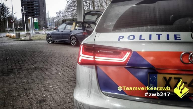 De hardleerse automobilist werd aangehouden in Tilburg. (Foto: Team Verkeer Zeeland-West-Brabant)