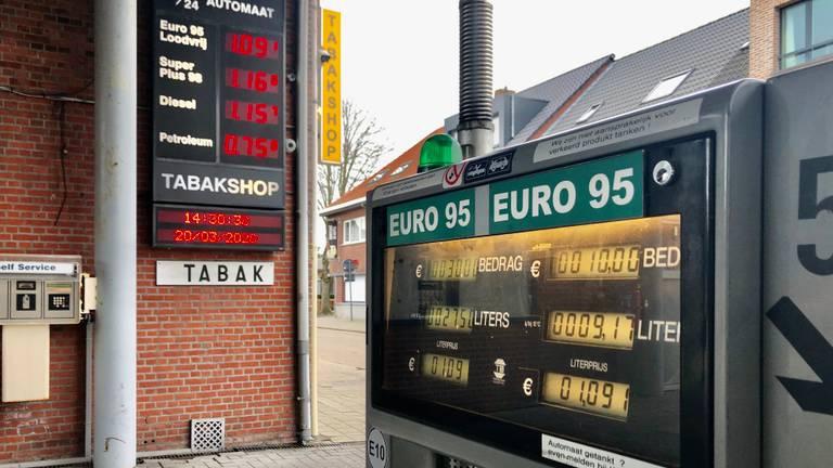 In Essen-Horendonk betaal je 1,09 euro per liter. (Foto: Raoul Cartens)