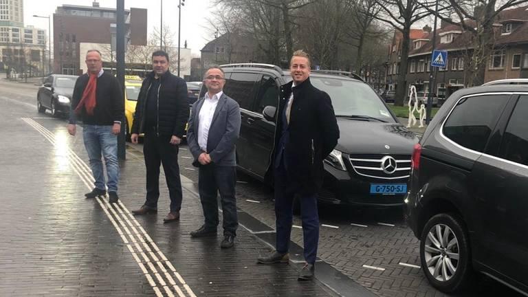 Vier taxibedrijven gaan zorgverleners gratis door Breda rijden. (Foto: Ronald Sträter)