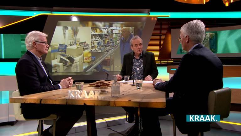 Theo Weterings aan tafel in KRAAK.