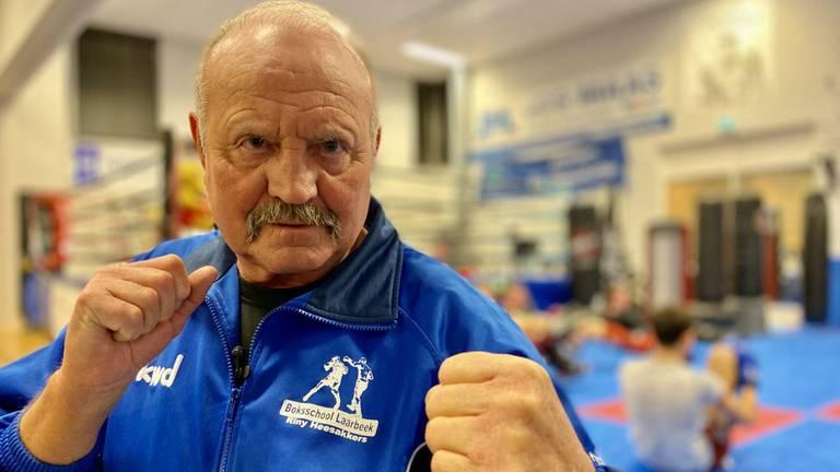 Bokscoach Riny (74) niet uit de ring te slaan (foto: Jan Peels).