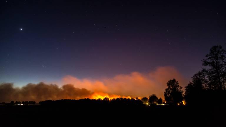 Het Deurnes Kanaal bij nacht (foto: Joyce van Dijk Fotografie)