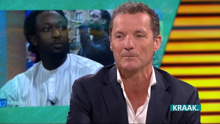 John de Bever brengt lied over racisme na Akwasi aanvaring bij Beau
