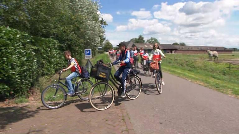 Blije kinderen kunnen toch op schoolkamp in Boxtel.