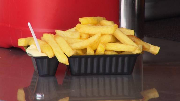 Mag dit frietje zonder coronabewijs zaterdag nog afgehaald worden in het cafetaria? (Foto: archief)