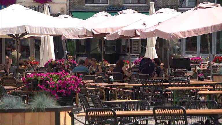 Lege terrassen in Bergen op Zoom.