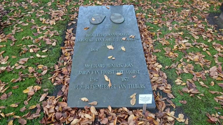 Het graf van de oud-burgemeester (foto: Jos Lemmers).